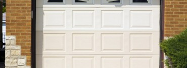 How To Hire A Professional To Repair Your Garage Door