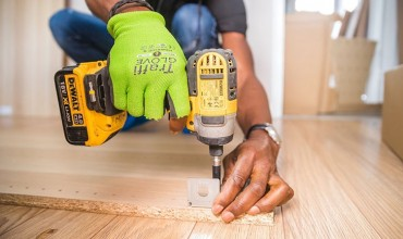 Hire services of professional handymen for your office