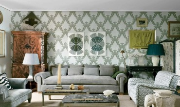 Learn how to use cushions to compose your sofa décor!